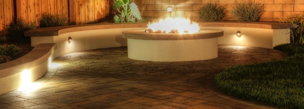 Backyard-Fire-Pit2-e1424965404487